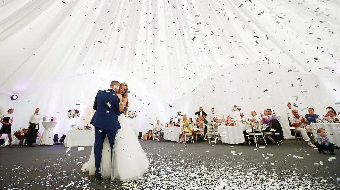 Просторные и стильные выездные шатры для свадьбы